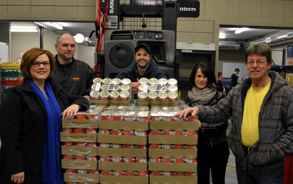 2015kamloops_foodbank1